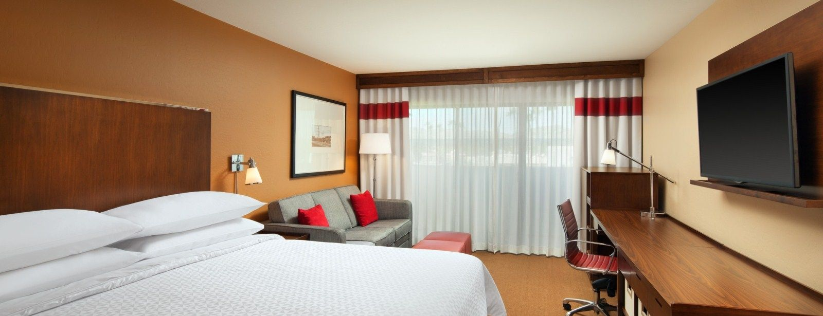 Phoenix Accommodations - Traditional Guest Room